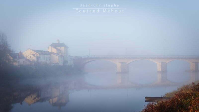 Pont de Chinon dans la brume – Tirage d'art