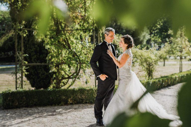 Photographe de mariage dans le parc de Richelieu Indre-et-Loire