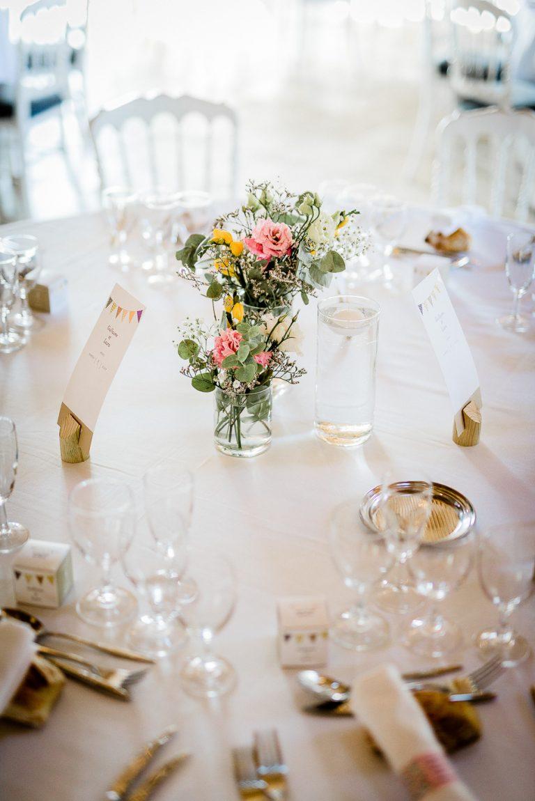 Photographe mariage domaine Roiffé loudun Fontevraud décoration de la table
