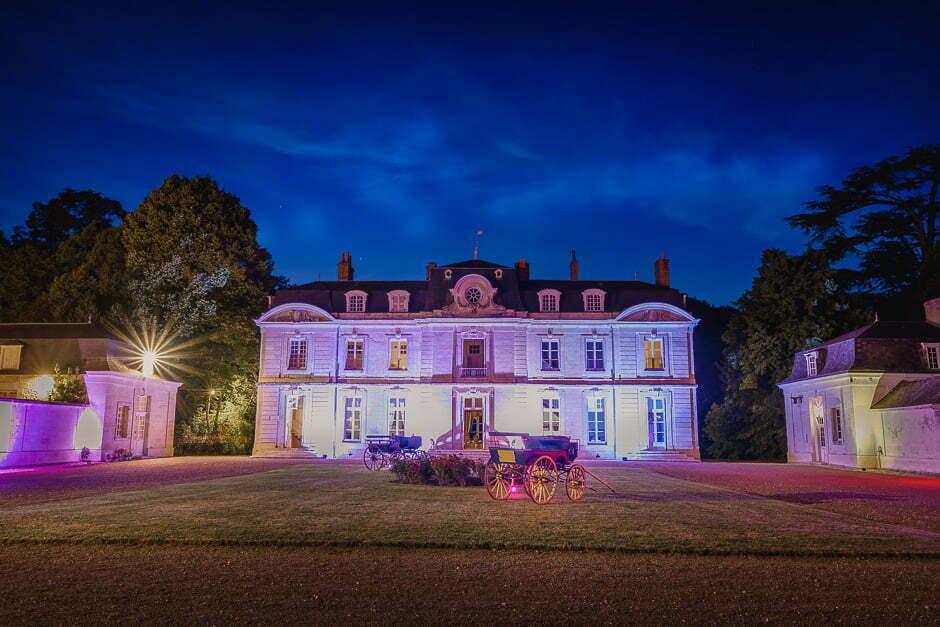 Le château de Saint-Senoch de nuit