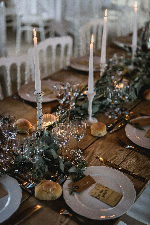 Décoration de la table d'un mariage au domaine de la Volière