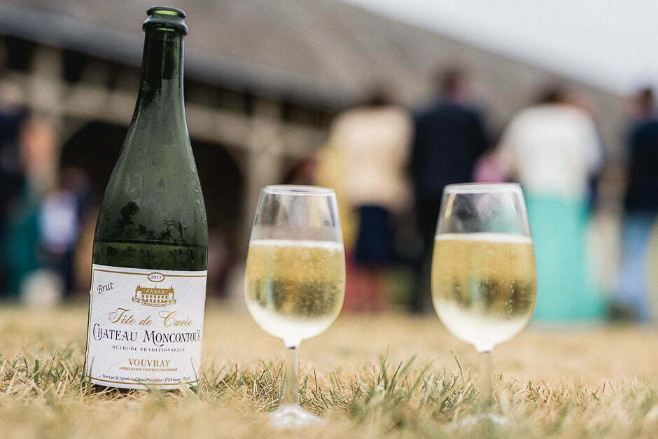 Photographe de mariage au Domaine de la volière Vouvray brut Montcontour