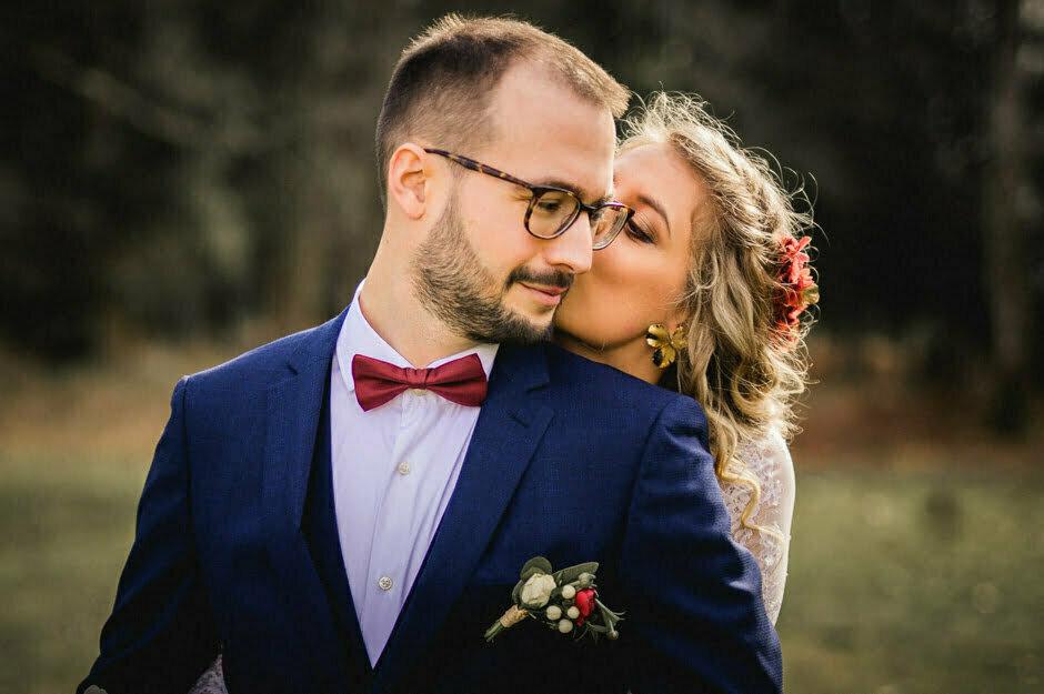 couple de mariés au domaine de la Trigalière