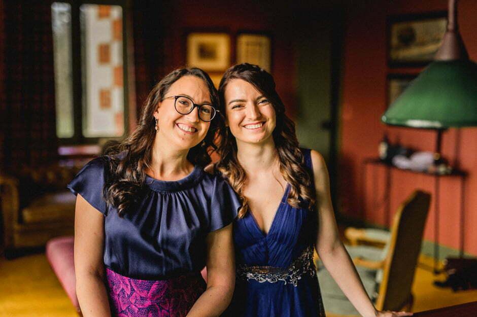 Les deux soeurs du marié
