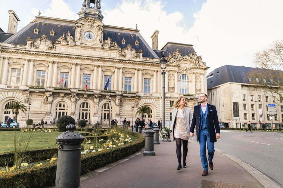 Deux mariés PLACE JEAN JAURÈS à Tours